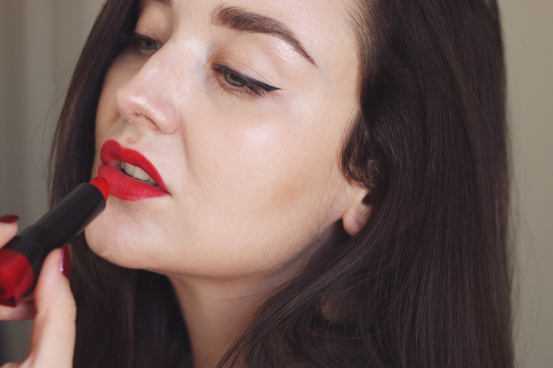 How to wear red lip foto